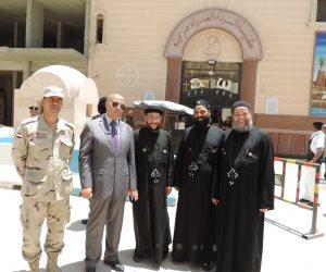 مدير أمن مطروح يتفقد إجراءات تأمين الكنائس (صور)