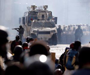 شركة برازيلية تمد الأمن الفنزويلى بالغاز المسيل للدموع للسيطرة على الاحتجاجات