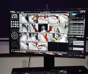 """فضيحة """"طبية"""".. كاميرات سرية تصور النساء في لحظة دقيقة بحياتهن"""