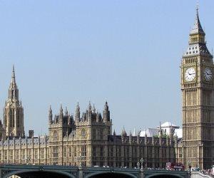 توجيه تهمة حيازة سلاح لرجل اعتقل قرب البرلمان البريطانى