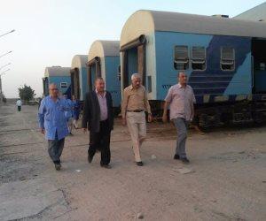 رئيس هيئة السكة الحديد فى جولة مفاجأة لبرج التحكم فى حركة القطارات