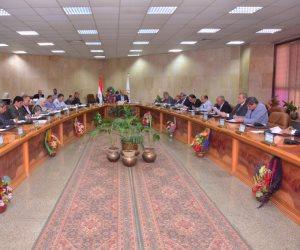 مجلس جامعة أسيوط يعين 15 مدرسا بعدد من كليات الوادي الجديد