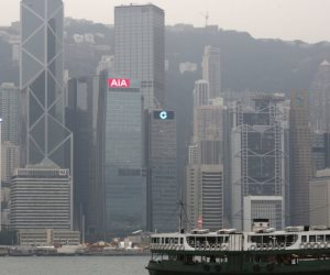 هونج كونج تستعد للعاصفة «هاتو» والسلطات تلغي رحلات جوية