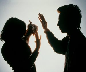 «للخلف در».. الثأر يضرب المجتمع من جديد.. واستشارى نفسي: «الناس محتاجة تأهيل سلوكي ووعي ديني»