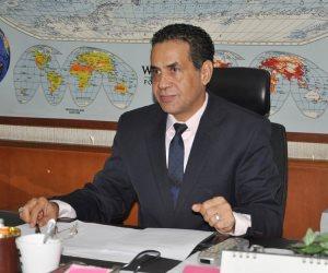 ملك البحرين يكرم خالد مهنى رئيس قطاع الأخبار