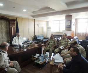 اجتماع مشترك لأمن المنيا وقيادات القوات المسلحة لتأمين المحافظة (صور)