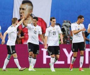 «فيفا» يحقق في عنصرية جماهير ألمانيا تجاه التشيك