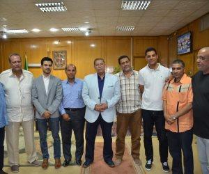 محافظ الإسماعيلية يستقبل أهالي وسكان شارع سعد زغلول