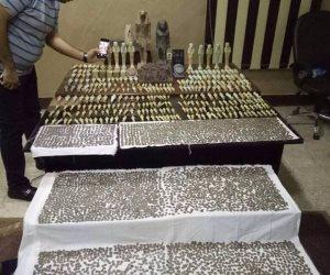 شرطة السياحة تضبط مزارع بحوزته 59 قطعة أثرية قبل بيعها بأسيوط