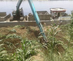 بغرض تطهير المجرى.. الري تنفذ 41 إزالة لتعديات علي نهر النيل