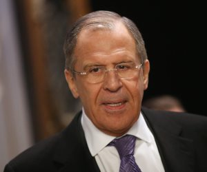 لافروف يلتقى رئيس مجلس العلاقات الدولية الأميركي لبحث القضايا الثنائية والدولية