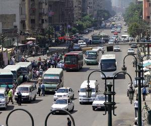 كثافات مرورية بشارع السودان وكوبري 15 مايو بسبب مجمعات المدارس
