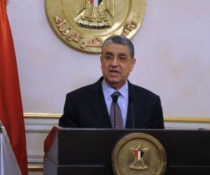 مصر توقع عقود الربط الكهربائى مع السعودية يونيو المقبل