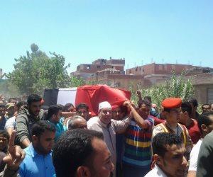 الآلاف يشيعون جثمان شهيد الواجب عبدالجواد عبدالعليم بكفر الشيخ (صور)