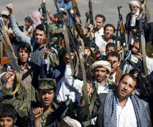 «قرصنة».. الميليشيات الحوثية تستولي على المساعدات الأممية لليمن