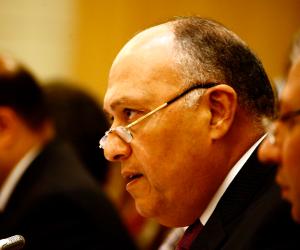 وزير الخارجية يطير إلى باريس لدعم ترشيح مشيرة خطاب لليونسكو