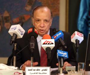 محافظة القاهرة توقف أعمال بناء مخالف بمحطة وقود شهيرة بالزيتون