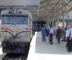 """السكة الحديد: سقوط عجلة من """"بوجي"""" جرار قطار على خط محرم بك - الضبعة"""