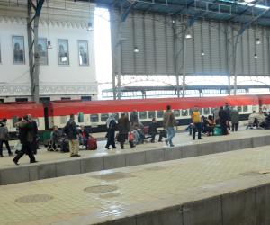 إعادة حركة القطارات بعد توقفها بقليوب إثر اشتعال النيران في أحد الجرارات