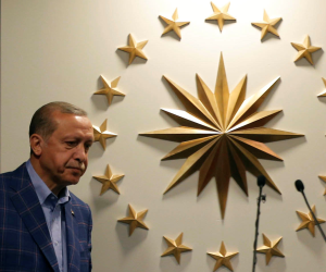 نشأت الديهي: «أردوغان بدأ يستلف.. والسياحة في أسوأ حالتها»