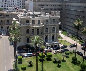 الحكومة تعلن دعمها لشركات قطاع الأعمال العام: لا صحة لتصفية «الحديد والصلب»