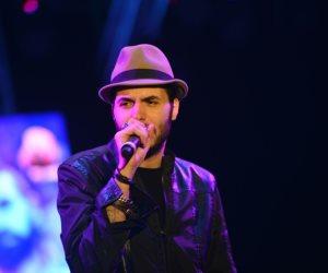 أمير عيد يحيي حفل تسليم درع الدوري المصري للنادي الأهلي (فيديو)