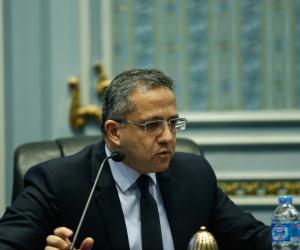 وزير الآثار: لم تكن هناك قطعة بالمساجد الأثرية مسجلة حتى عام 2017