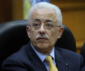وزير التربية والتعليم يعلن عن البدائل لشرط محو الأمية في مسابقة الثلاثين ألف معلم