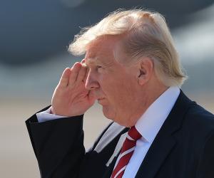 """ترامب : العلاقات مع روسيا بلغت """"مستوى منخفضاً خطيراً"""" ويحمل الكونغرس المسؤولية"""