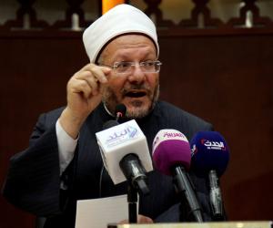 لمواجهة كورونا.. المفتي يدعو شعب مصر إلى الثبات والسكينة