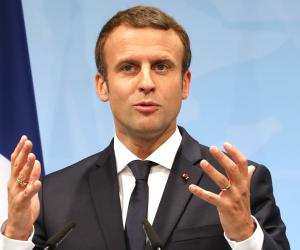 «ماكرون» في تغريده مبشرة: المدارس الفرنسية تعود 11 مايو تدريجيا