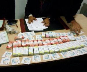 ضبط سائق بحوزته سلاح ومخدرات بسوهاج