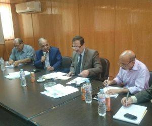 رئيس قطاع الري بسيناء يعقد اجتماعا عاجلاً للشركات العاملة في بئر العبد