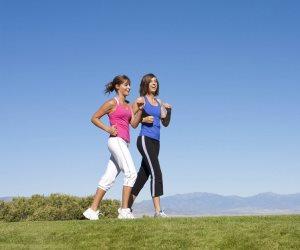 النشاط الرياضي الخفيف يقلل من آلام العضلات والمفاصل ويعمل علي كفاءة النوم