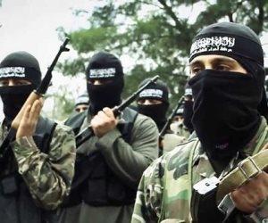 العشرات من مقاتلي هيئة تحرير الشام يصلون إدلب بعد اخراجهم من اليرموك