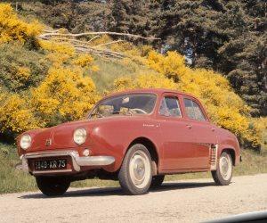 «دوفين».. سيارة رينو ذات المحرك الخلفي