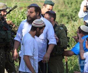 تحت حماية قوات الاحتلال.. مستوطنون يقتحمون منطقة دير مار سابا شرق بيت لحم