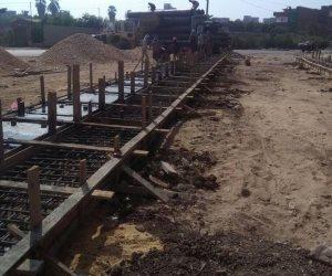استلام إدارة التوسع الأفقي بالفيوم معدات إنشاء الحائط الساند
