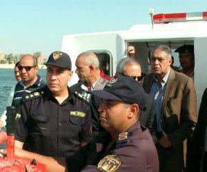 محافظ سوهاج والقيادات الأمنية يتفقدون لنش الإطفاء النهري الجديد (صور)