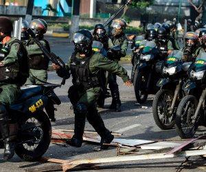 استمرار العنف في فنزويلا للمطالبة برحيل الرئيس مادورو (صور)