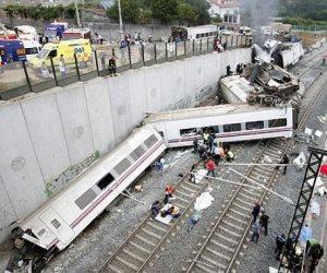 مصرع وإصابة 8 جنود في حادث تحطم قطار كان يقلهم بفنلندا
