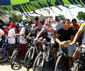 راكبو الدراجات فى عمان يطالبون بمزيد من الحقوق والأمان على الطريق