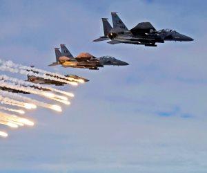 مقاتلات التحالف تشن غارات على مواقع الحوثيين باليمن .. واشتباكات عنيفة
