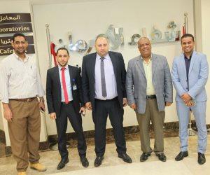 مدير مكتبة مصر العامة بالكرنك يدعم المرحلة الثانية لمستشفى أورام الأقصر (صور)