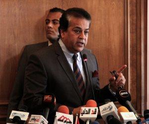 وزير التعليم العالي يعترف للبرلمان: يوجد نقص شديد في كل مسشتفيات مصر الحكومية والخاصة