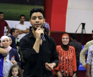 أحمد جمال يروج لحفله الغنائي في مدينة فرانكفورت بألمانيا