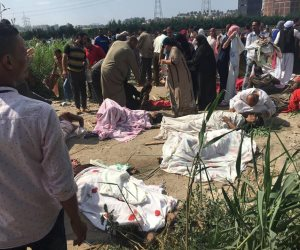 السفارة الأمريكية تنعى ضحايا حادث قطاري الإسكندرية: «صلواتنا مع عائلات الضحايا»