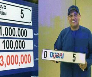 رجل أعمال هندي يشتري لوحات سيارات مميزة بأكثر من 60 مليون درهم (صور)