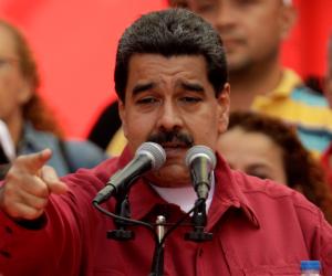 الرئيس الفنزويلي يجري بزيارة مفاجئة لكوبا