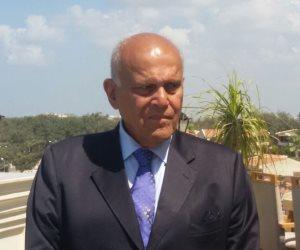 مجدي يعقوب يفتتح المؤتمر السنوي للبحث والإبداع بالجامعة الأمريكية في القاهرة